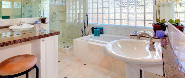 Lackieren von Waschbecken und Wanne