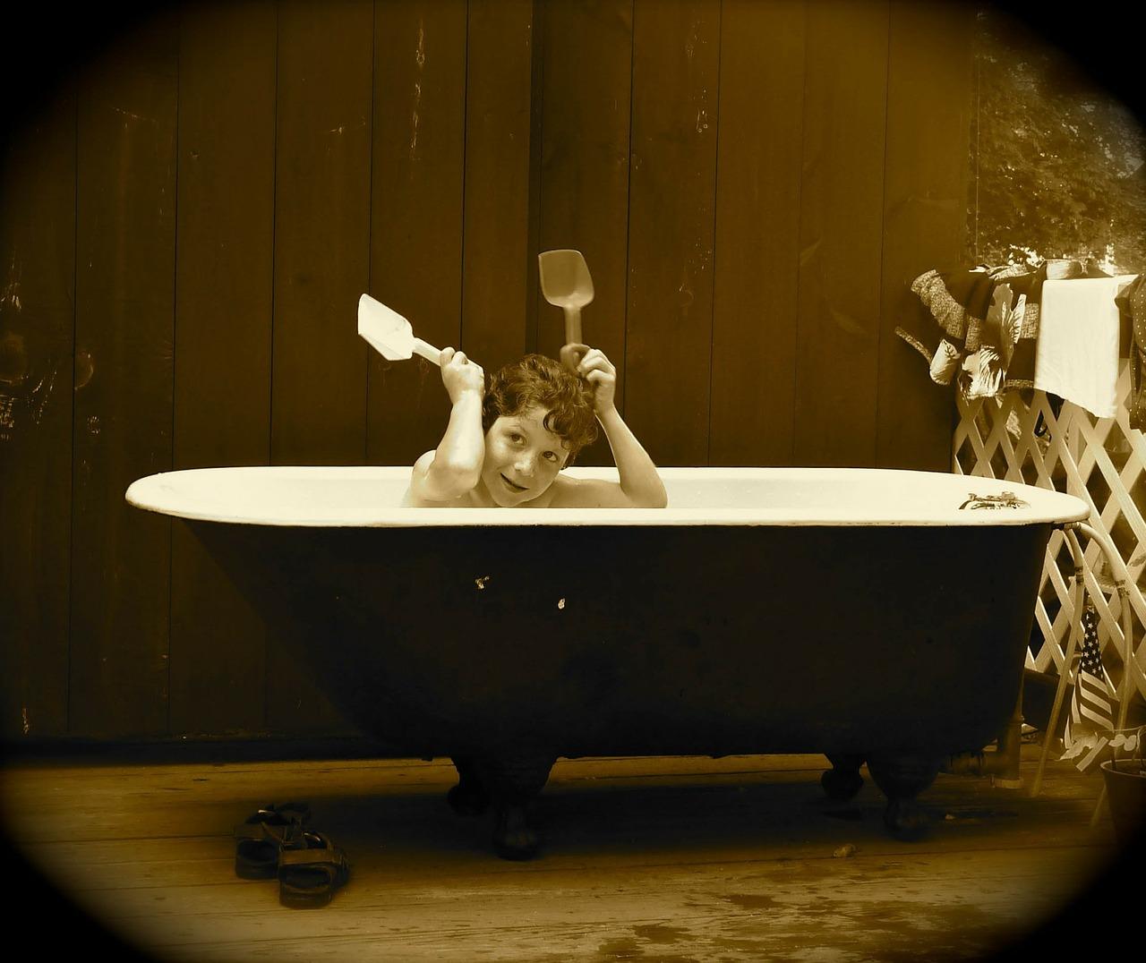 Bade- oder Duschwanne renovieren mit Reparatursets
